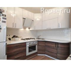 Угловой кухонный гарнитур с радиусными элементами