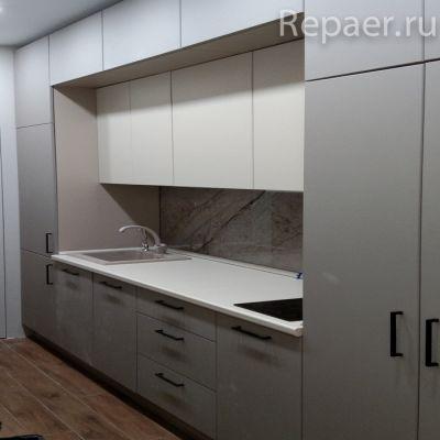 Прямой кухонный гарнитур под потолок 3400 мм