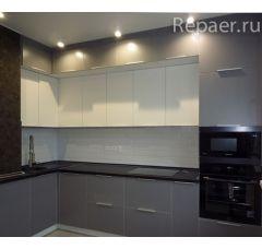 Кухонный гарнитур под потолок с антресолью
