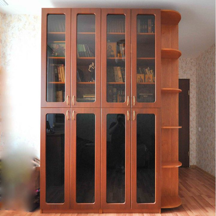Шкаф книжный со стеклом заказать в москве.